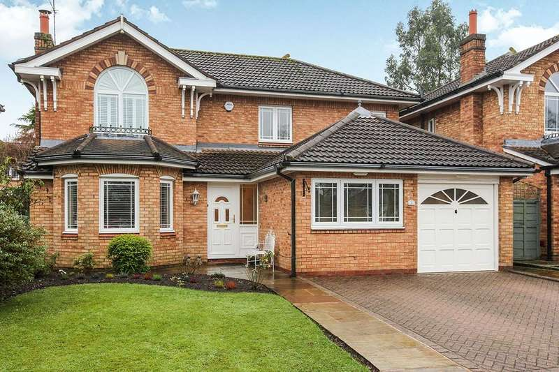 4 Bedrooms Detached House for sale in Landseer Drive, Macclesfield, SK10