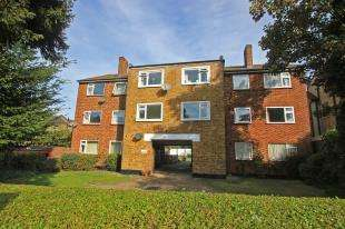 2 Bedrooms Flat for sale in Plumpton Court, Brockley Park, London
