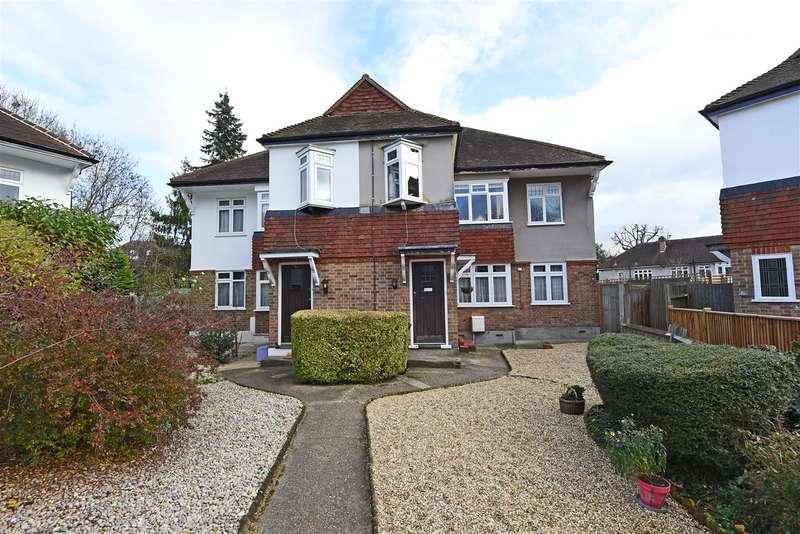 2 Bedrooms Apartment Flat for sale in Brockham Close, Wimbledon