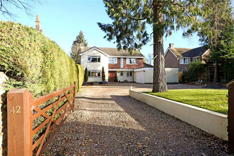 5 Bedrooms Detached House for sale in Gally Hill Road, Church Crookham, Fleet, GU52