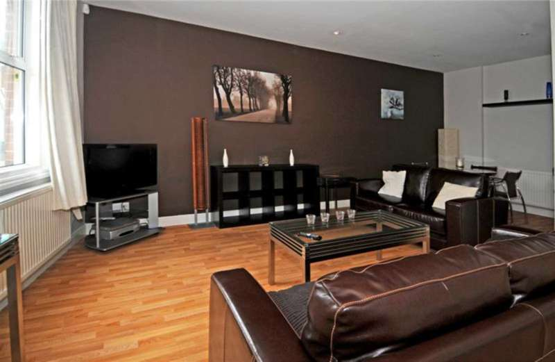 2 Bedrooms Terraced House for rent in West Street, Southgate, Town Centre, Crawley