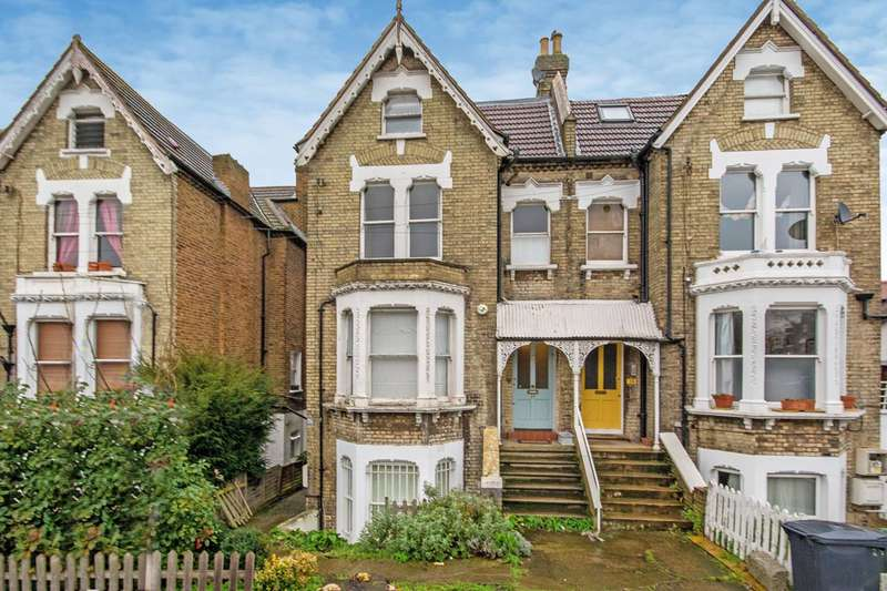 3 Bedrooms House for sale in Hopton Road, Streatham, SW16