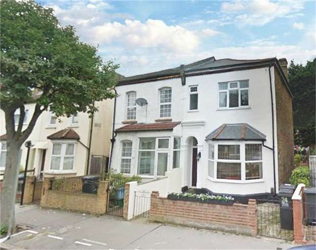 3 Bedrooms Semi Detached House for sale in Saxon Road, London