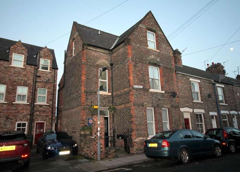 3 Bedrooms End Of Terrace House for sale in Wellington Street, York, YO10 5BD