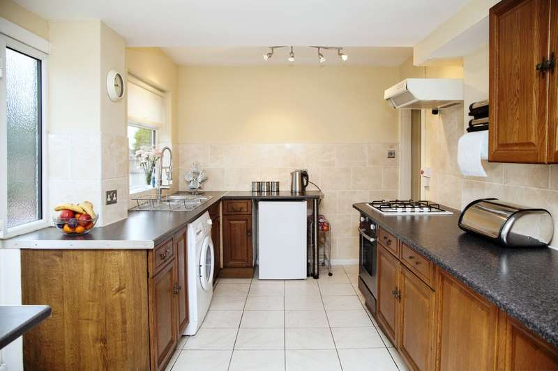 4 Bedrooms Semi Detached House for sale in Cole Street, Dudley