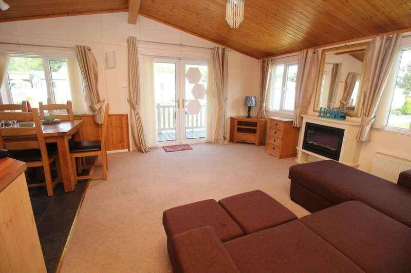 3 Bedrooms Bungalow