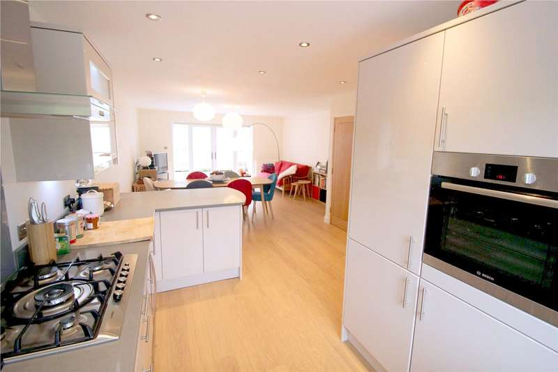 4 Bedrooms House for sale in Shaw Grove, Coulsdon