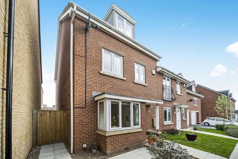 4 Bedrooms Semi Detached House for sale in Old Scholars Avenue, Castleford, WF10
