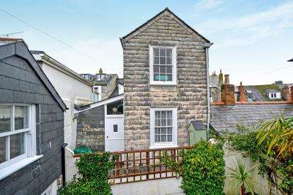 2 Bedrooms End Of Terrace House for sale in Padstow, Cornwall