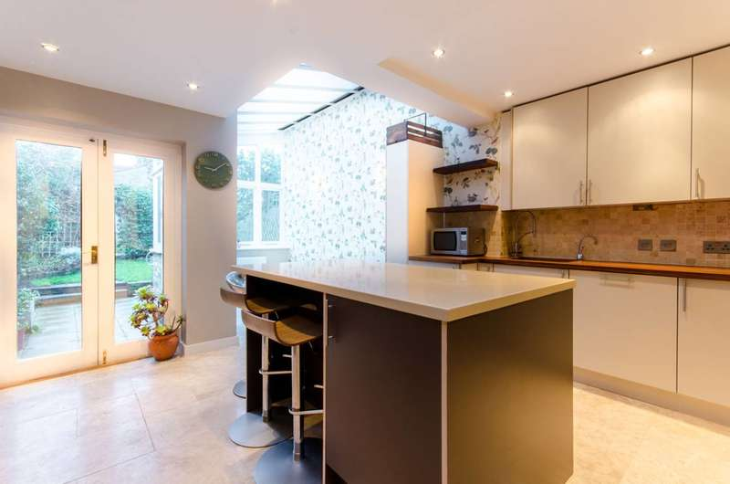 2 Bedrooms House for rent in Milton Road, Walthamstow, E17