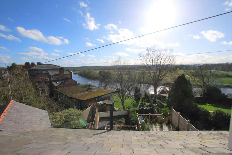 3 Bedrooms Semi Detached House for sale in The Mount, Chester