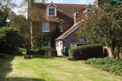 3 Bedrooms Semi Detached House for rent in West Down Lane, Burwash Common