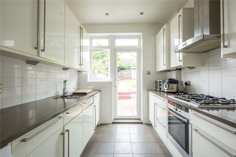 4 Bedrooms Terraced House for sale in Hamilton Way, West Finchley, London, N3