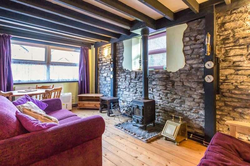 1 Bedroom Cottage House for rent in Railway Terrace, Hollybush, Blackwood
