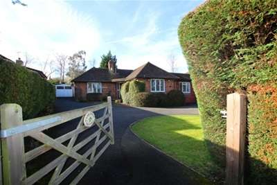 3 Bedrooms House for rent in East Horsley, KT24