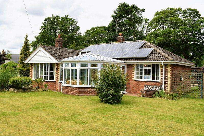 3 Bedrooms Detached Bungalow for sale in South Street, North Kelsey