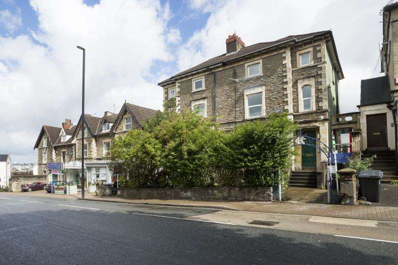2 Bedrooms Apartment Flat for rent in Wells Road, Totterdown, Bristol, BS4 2AG