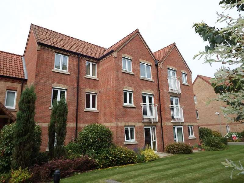 2 Bedrooms Flat for sale in Swallows Court, Spalding, PE11