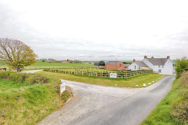 4 Bedrooms Land Commercial for sale in Ty Mawr , Ferwig, Cardigan, Ceredigion. SA43 1PZ
