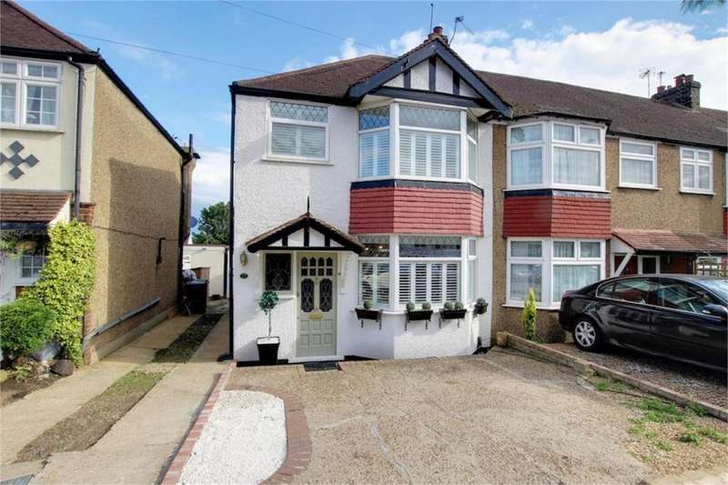3 Bedrooms Property for sale in Oakwood Hill, Loughton IG10