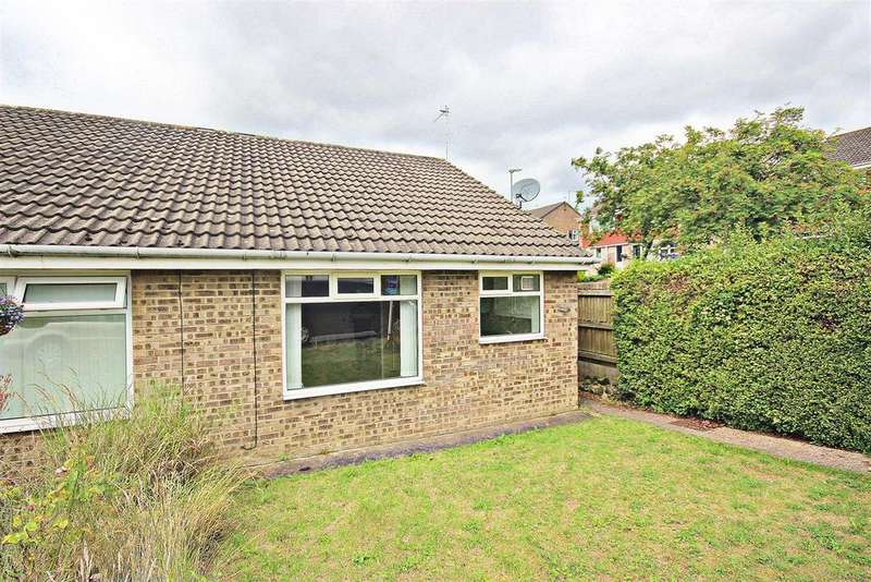 2 Bedrooms Semi Detached Bungalow for sale in Thorntons Close, Pelton, Chester Le Street