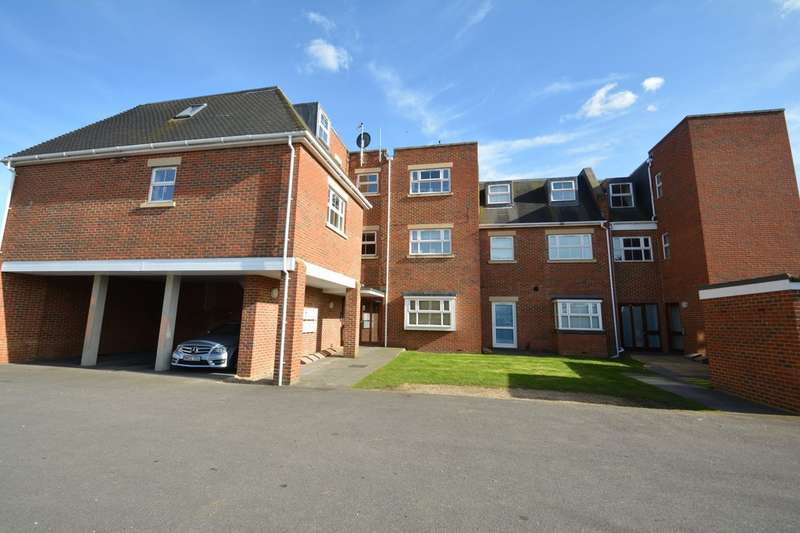 2 Bedrooms Apartment Flat for sale in Walton On Thames KT12