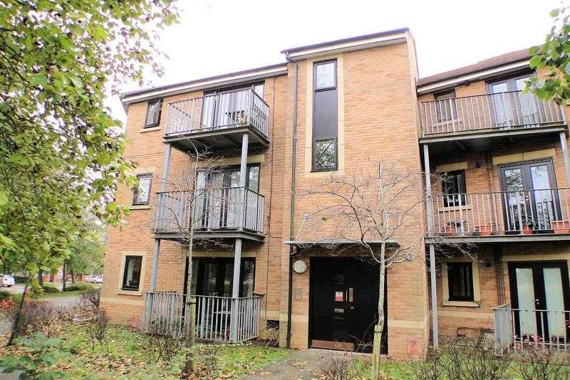 2 Bedrooms Apartment Flat for rent in Stapeley Court, Milton Keynes
