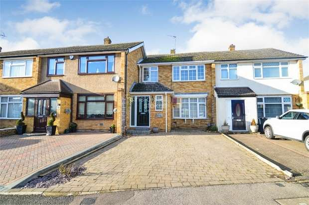 3 Bedrooms Terraced House for sale in Ashdown Crescent, Cheshunt, WALTHAM CROSS, Hertfordshire
