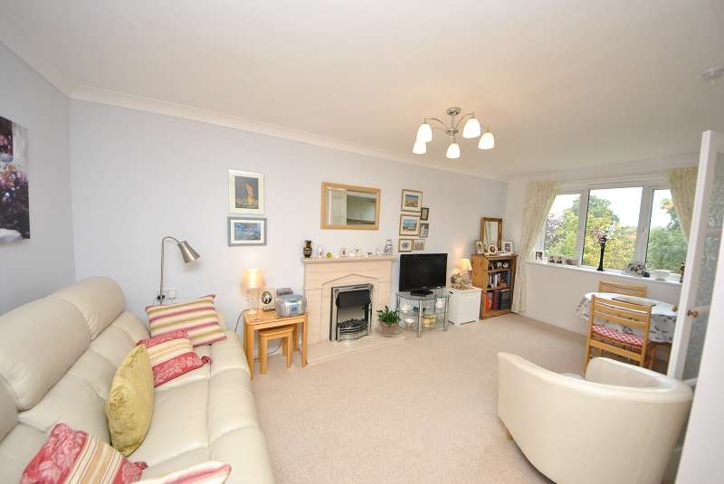1 Bedroom Retirement Property for sale in Madingley Court, Cambridge Road, Southport. PR9 9SG