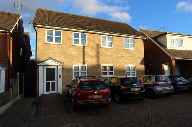 1 Bedroom Flat for sale in Flat 7, Wells Court, 234 Ferry Road, Hullbridge, HOCKLEY, Essex