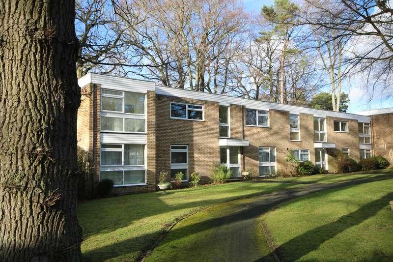3 Bedrooms Apartment Flat for rent in Stanton Drive, Fleet