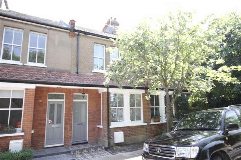 3 Bedrooms Terraced House for sale in Old Fold Lane, Barnet, Herts, EN5