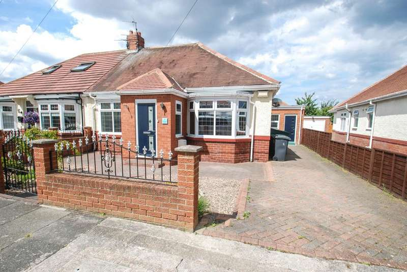 3 Bedrooms Bungalow for sale in Northfield Gardens, South Shields