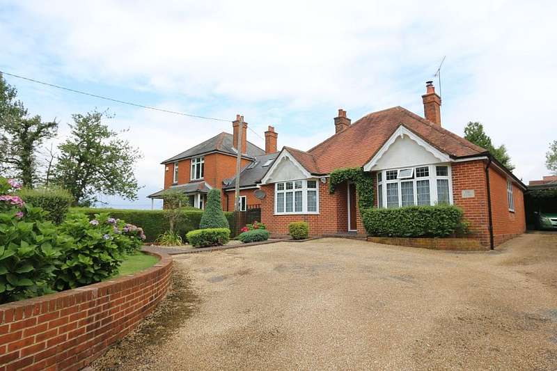 3 Bedrooms Detached Bungalow for sale in Swanmore Road, Swanmore, Southampton, Hampshire, SO32 2QH