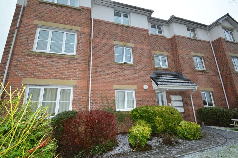 2 Bedrooms Flat for sale in Moor Lane, Salford, M7