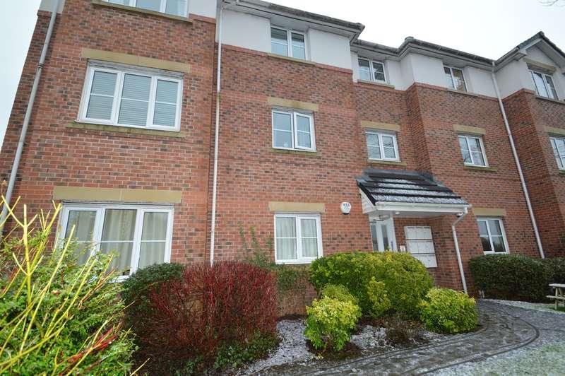 2 Bedrooms Flat for sale in Moor Lane, Salford, M7