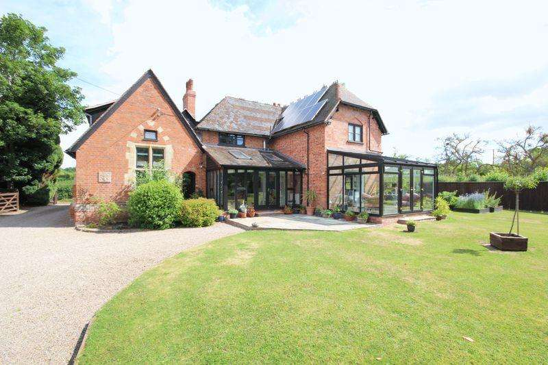 4 Bedrooms Unique Property for sale in BREINTON