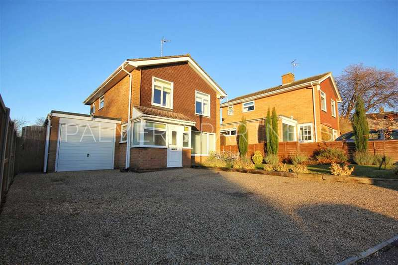 3 Bedrooms Detached House for sale in Beaconsfield Close, Sudbury