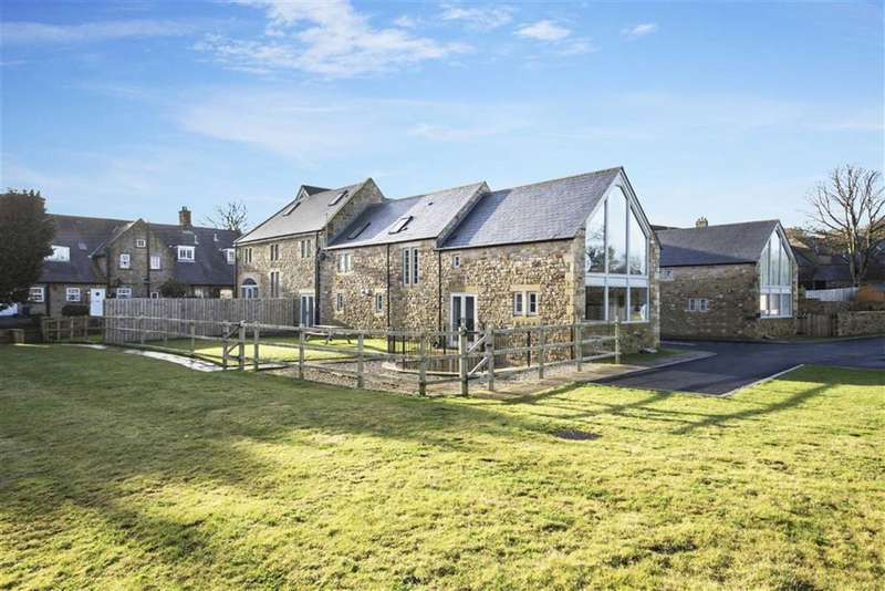 4 Bedrooms Barn Conversion Character Property for rent in High Callerton, Ponteland, Newcastle Upon Tyne