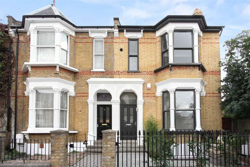 2 Bedrooms Flat for sale in Muston Road, London, E5