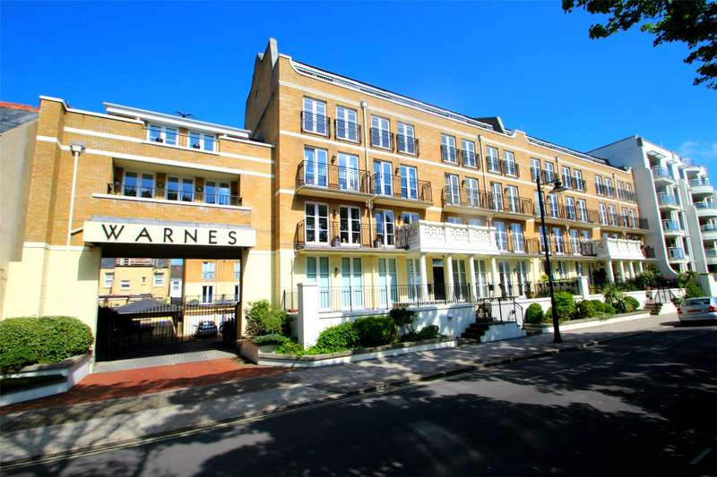 3 Bedrooms Apartment Flat for sale in Warnes, Steyne Gardens, Worthing, BN11