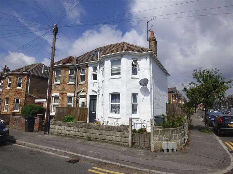 3 Bedrooms Semi Detached House for sale in Grants Avenue, Springbourne, Bournemouth, BH1