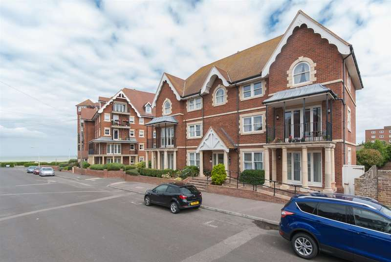 2 Bedrooms Flat for sale in St Mildreds Road, WESTGATE-ON-SEA
