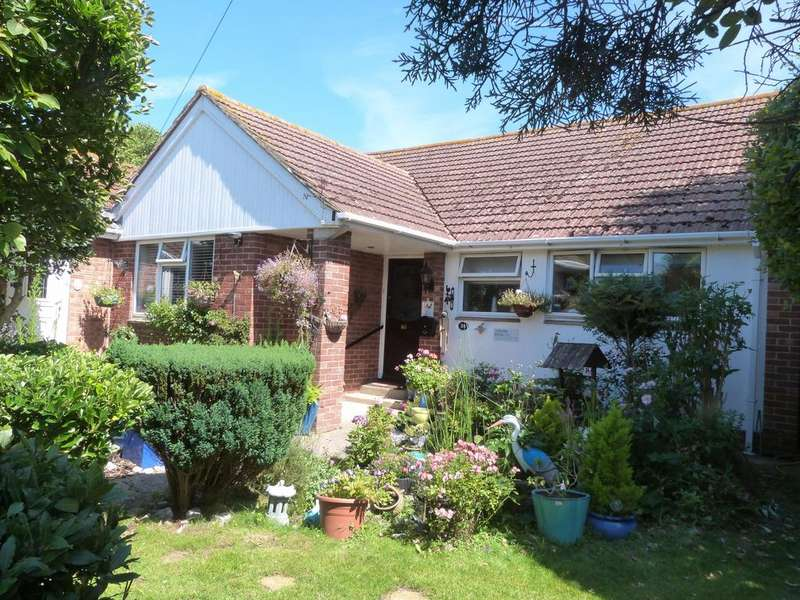 4 Bedrooms Detached House for sale in Crablands Close, Selsey