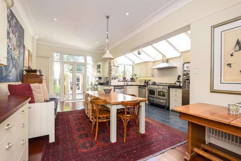 5 Bedrooms Terraced House for sale in Earlsfield Road, Earlsfield
