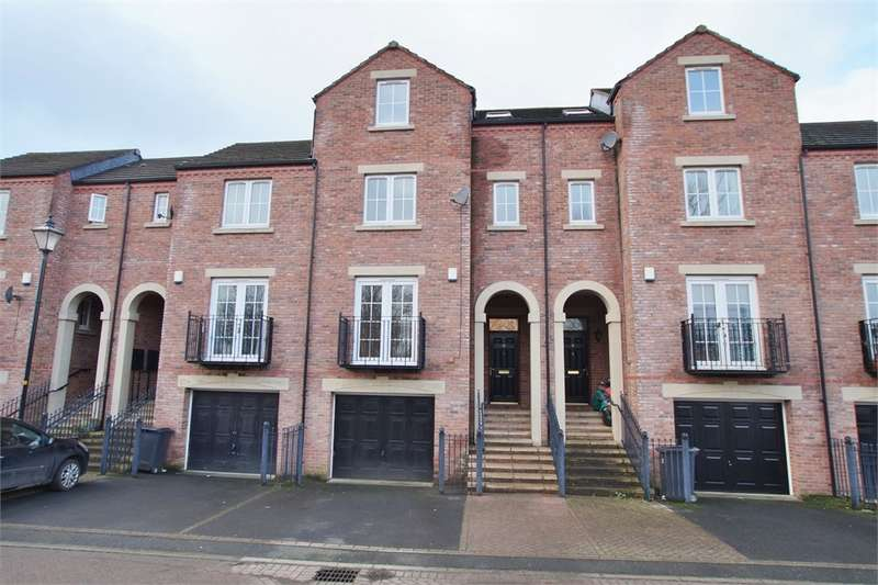 4 Bedrooms Town House for sale in CA2 5GY Mcilmoyle Way, Denton Holme, Carlisle, Cumbria