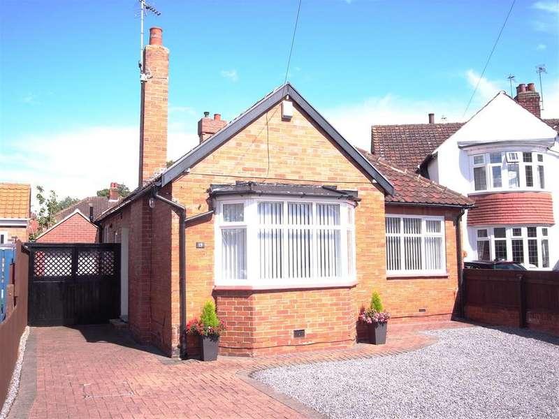 2 Bedrooms Detached Bungalow for sale in Hillside Road, Darlington