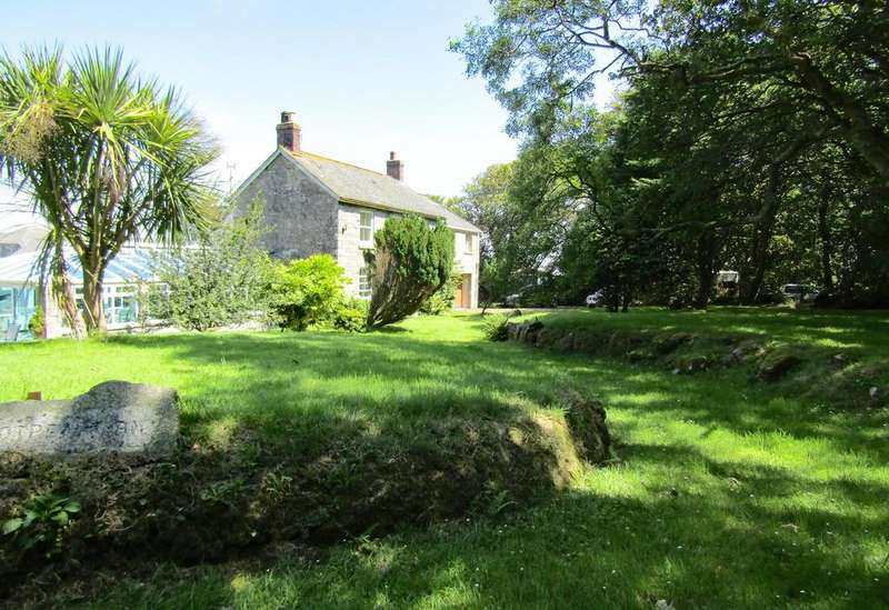 5 Bedrooms House for sale in Spacious Farmhouse, Grumbla, Sancreed, Penzance TR20