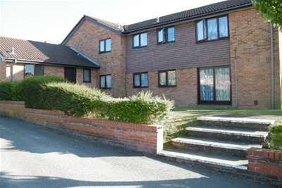 2 Bedrooms Flat for rent in Canford Heath 2 Bed GFF