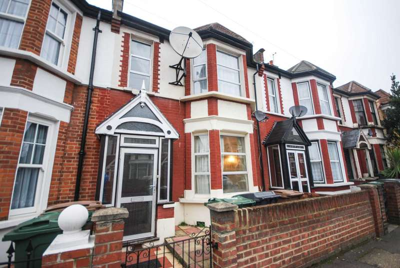 3 Bedrooms House for sale in Matlock Road, Leyton